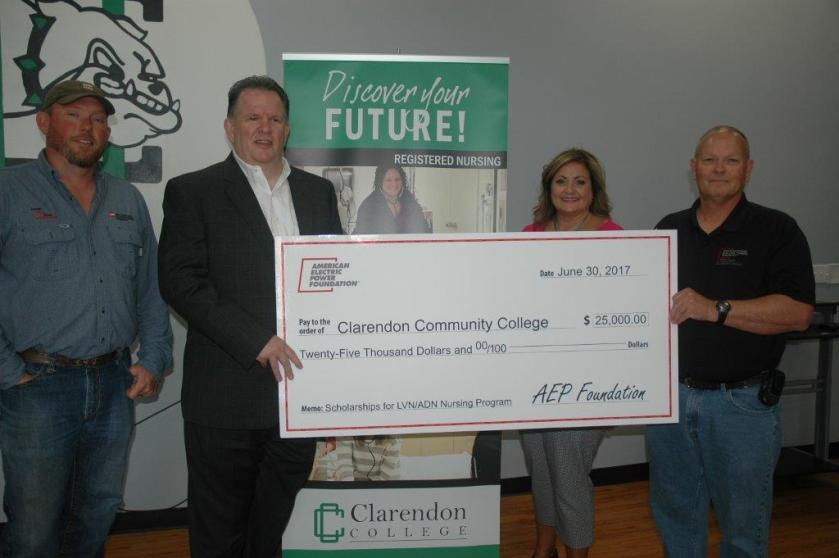 clarendon college receives Foundation gift